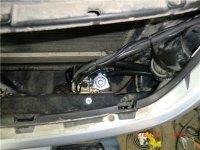 Lovato 4 поколения с OBD коррекцией на VW Toreg. Другого места для газового редуктора не нашлось